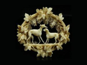Гороскоп: сувениры, украшения и аксессуары из кости – новый тренд 2018 года