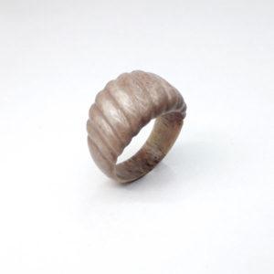 Кольцо из рога оленя