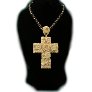 Цветущий крест. Резной кулон из бивня мамонта